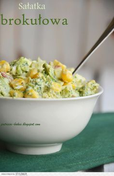 Składniki - 2 brokuły - 1 ser feta w kostce (200 g) - 0… na Stylowi.pl Salad Recipes, Diet Recipes, Vegetarian Recipes, Cooking Recipes, Healthy Recipes, Healthy Dishes, Healthy Eating, Breakfast Lunch Dinner, Side Salad