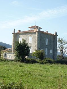 Cantabria Torre de Gajano.Heras,Medio cudeyo.