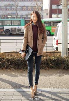 Inspiring Winter Women Style With Casual Chic Outfits 14 Korean Fashion Winter, Korean Fashion Dress, Korean Fashion Casual, Korean Street Fashion, Asian Fashion, Look Fashion, Daily Fashion, Trendy Fashion, Autumn Fashion