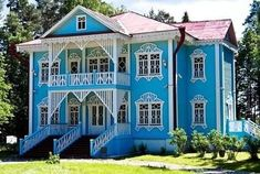 Russian Fashion, Russian Style, Interesting Buildings, Wooden Art, Traditional, Mansions, House Styles, Beautiful, Home Decor