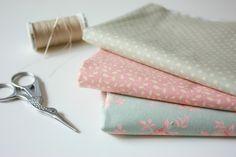 Kit de manualidades para principiantes | Medias y tintas Napkin Rings, Kit, Decor, Tights, Creativity, Dressmaking, Manualidades, Style, Decoration