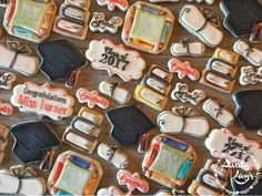 "90 Likes, 3 Comments - @andykayscookies on Instagram: ""Congratulations to the Class of 2017! #andykayscookies #cookies #cookieart #decoratedcookies…"""