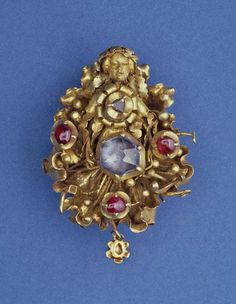 Cluster brooch with female figure, made in Flanders in the 15th century