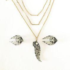 Angel Wing Pendant & Earrings #jewelryset #angelwing #wing #necklace #pendant #earrings #vinage #stylish