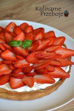 Tarta z truskawkami i mascarpone - KulinarnePrzeboje.pl Food Cakes, Cake Recipes, Strawberry, Fruit, Impreza, Pies, Mascarpone, Simple, Cakes