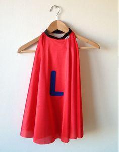 Capa de Superhéroe para jugar. de rocadisseny en Etsy Airplane Costume, Super Hero Capes For Kids, Superhero Capes, Costumes, Tank Tops, Red, Etsy, Women, Fashion
