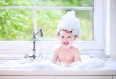 毎日のお風呂掃除。疲れている時はとても億劫になりますよね。そんなめんどくさいお風呂掃除を激変させる!重曹を使ったラクラクお掃除術を大公開します♪