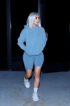 Tips para usar shorts largos de lycra al estilo Kim Kardashian Chill Outfits, Sporty Outfits, Trendy Outfits, Cute Outfits, Fashion Outfits, Fashion Styles, Style Fashion, Fashion Ideas, Fashionable Outfits