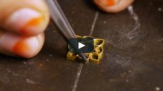 This film, shot in workshops in Mumbai and Jaipur, illustrates the making of a pair of traditional enamelled earrings in preparation for kundan setting.