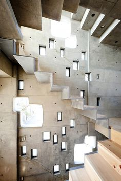 The Wall of Nishihara / SABAOARCH It's like if Ronchamp chapel exploded with windows and met MC Escher Stairs. Concrete Architecture, Amazing Architecture, Contemporary Architecture, Art And Architecture, Interior Stairs, Interior Exterior, Ronchamp Le Corbusier, Concrete Stairs, Precast Concrete
