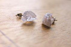1 Pair Raw Chakra Earring GENUINE Crystal Natural RAW Rose-QUARTZ earrings healing jewelry healing crystals druzy earrings rose quartz druzy by rememberZEN on Etsy https://www.etsy.com/listing/177238552/1-pair-raw-chakra-earring-genuine