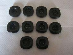 10 Stück hochwertig Handgefertigte Büffelhornknöpfe,Schwarz,Quadratisch,Durchmesser ca.25 mm,Neu,Naturprodukt,Lübecker Knopfmanufaktur von Knopfshop auf Etsy