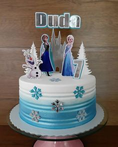 95 suggestions to delight your guests - Birthday FM : Home of Birtday Inspirations, Wishes, DIY, Music & Ideas Easy Frozen Cake, Frozen Party, Frozen Birthday Theme, 2 Birthday Cake, Camo Wedding Cakes, White Wedding Cakes, Pastel Frozen Betun, Baby Shower Cakes, Bolo Elsa
