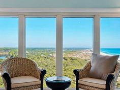 TOPS'L Beach Manor is the Perfect Vacation Location in Destin, Florida on the Gulf Coast. Beach Vacation Rentals, Vacation Resorts, Dream Vacations, Miramar Beach, 3d Home, Destin Beach, Gated Community, Staycation, House Tours