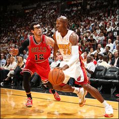 6db88b5947481b Ray Allen drives past Kirk Hinrich of the Chicago Bulls
