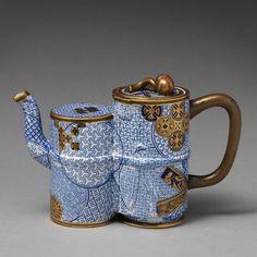 China Pot, Worcester, Cute Teapot, Teapots Unique, Japanese Market, Maker Culture, Pottery Teapots, Tea Cookies, Porcelain Clay