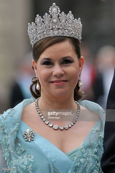 Since becoming Grand Duchess in the current Grand Duchess, Maria Theresa has worn the Empire tiara to many royal events; here at the wedding of Swedish Crown Princess Victoria in June Royal Crown Jewels, Royal Crowns, Royal Tiaras, Royal Jewelry, Tiaras And Crowns, Jewellery, Princess Victoria Of Sweden, Crown Princess Victoria, Princess Diana