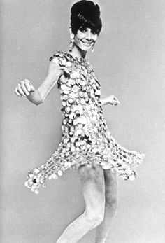 Audrey Hepburn photographed in Paco Rabanne dress for Two for the Road The dress is made of glittery metallic fabrics, and even metal discs. Audrey said that sitting in this Paco Rabanne dress hurt. Givenchy, Balenciaga, Audrey Hepburn Born, Audrey Hepburn Photos, Mary Quant, Jane Birkin, Catherine Deneuve, Paco Rabanne, Pierre Cardin