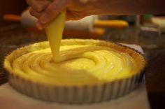 A receita do Creme de Confeiteiro (Creme Pâtissière) da Escola de Culinária mais famosa do mundo foi revelada. Aproveite essa receita maravilhosa para rech
