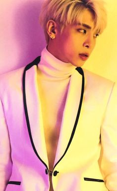SHINee Jonghyun what are you doing to me ?