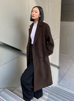 Trench Coat Outfit, Black Coat Outfit, Trench Coats, Korean Outfits, Korean Winter Outfits, Korean Winter Fashion Outfits, Korea Winter Fashion, Korean Street Fashion, Korean Fashion Styles