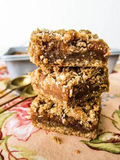 Vegan Coconut Lime Date Bars Vegan Bar, Raw Vegan Recipes, Almond Recipes, Vegan Foods, Coconut Cookies, Healthy Cookies, Vegan Sweets, Healthy Sweets, Vegan Dating