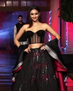 Manish Malhotra Look 47 Stunning Black/Burgundy Embroidered Sweetheart A-Lane Evening Two Piece Dress. Contemporary Art 2019 Runway Show Collection by Manish Malhotra<br> Manish Malhotra Dresses, Manish Malhotra Designs, Manish Malhotra Bridal, Manish Malhotra Collection, Designer Bridal Lehenga, Bridal Lehenga Choli, Indian Wedding Outfits, Indian Outfits, Indian Designer Outfits