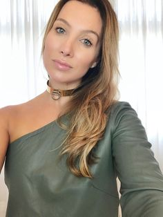 8b5b4e764 Look da Clau - Army mood e sobreposição - Claudia BartelleClaudia Bartelle