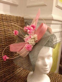 bibi chapeau de mariage rose et vert bleu