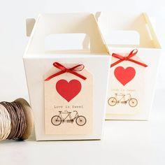 Etiquetas para regalo con bicicleta vintage y corazón #love #regalos #gifts #favor #weddingfavors