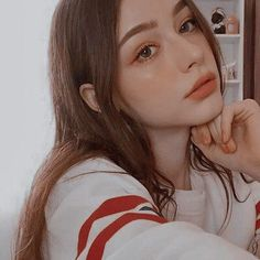 #wattpad #de-todo 𝓋𝒾𝓈𝒶𝑔𝑒𝓈 ↴                           [ fr. faces ]  _ * .・。 face claims for rpg+book characters | popular & less popular people | part I > girls. Cool Girl Pic, Cute Girl Face, Baby Blue Aesthetic, Aesthetic Hair, Korean Picture, Plain Girl, Makeup Tumblr, Cute Poses For Pictures, Fake Girls