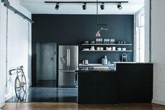 Minimalistic/modern design of the loft apartment in Berlin… Interior Exterior, Kitchen Interior, Rustic Chic, Modern Rustic, Modern Loft, Ikea Kitchen, Kitchen Decor, Kitchen Ideas, Kitchen Walls
