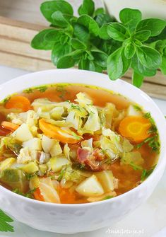 z modej kapusty Kapuniak z modej kapusty. Cabbage Soup With Young Sprouts.Kapuniak z modej kapusty. Cabbage Soup With Young Sprouts. Cheap Clean Eating, Eating Fast, Clean Eating Snacks, Healthy Eating, Vegan Gains, Snacks Under 100 Calories, Healthy Sweet Snacks, Best Soup Recipes, Cabbage Soup