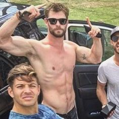He left the taste of thunder in my mouth. Chris Hemsworth Family, Liam Hemsworth, Falling In Love With Him, Chris Pine, Jawline, Celebs, Celebrities, Dream Guy, Cute Guys