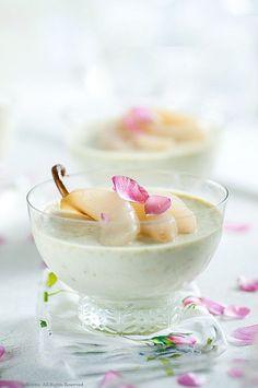 pannacotta à la pistache et poires pochées