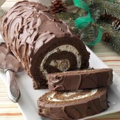 Chocolate Cake Roll with Praline Filling Recipe from Taste of Home. This recipe would make a great Buche de Noel, (Yule log), cake for Christmas. Cake Roll Recipes, Dessert Recipes, Christmas Desserts, Christmas Baking, Christmas Cakes, Just Desserts, Delicious Desserts, Chocolate Roll Cake, Chocolate Filling