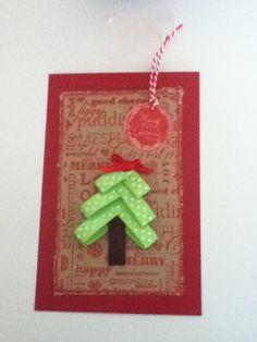 kerstkaart met een kerstboompje van lint leuk hé