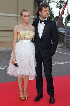 Super Stylish Couple Diane Kruger Joshua Jackson Celebrity Gowns Celebrity Look Celebrity Red