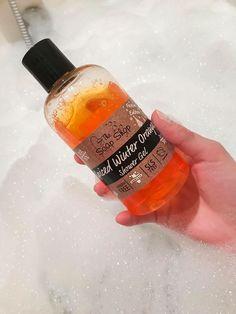Sprchový gél alebo pena do kúpeľa? 🛁 A čo tak 2v1? 😍 Naše sprchové gély nádherne voňajú, sú vhodné aj na citlivú pokožku a pri použití ako pena do kúpeľa vytvárajú krásnu hustú penu! ♥️