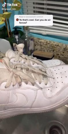 Amazing Life Hacks, Simple Life Hacks, Useful Life Hacks, Cleaning White Vans, Diy Fashion Hacks, Everyday Hacks, Nike Air Shoes, Aesthetic Shoes, Hype Shoes