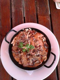 Braumeisterpfännle  (Pork, Chicken, Steak in mushroom sauce)