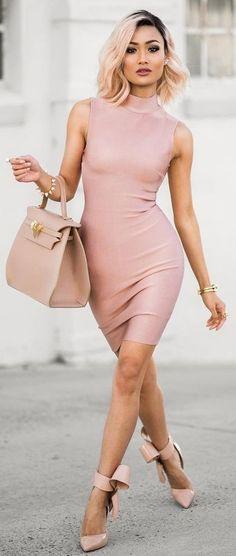 Blush cocktail dress with fun girly pumps News Fashion, Look Fashion, Spring Fashion, Fashion Beauty, Womens Fashion, Fashion Trends, Diy Fashion, Street Fashion, Fashion Inspiration