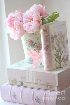 4 Loving Tips AND Tricks: Shabby Chic Nursery Crib shabby chic cottage posts.Shabby Chic Pink And White shabby chic bathroom colors.Shabby Chic Pink And White. Fleurs Style Shabby Chic, Flores Shabby Chic, Rosa Shabby Chic, Cottage Shabby Chic, Cocina Shabby Chic, Shabby Chic Mode, Shabby Chic Kitchen Decor, Estilo Shabby Chic, Shabby Chic Interiors