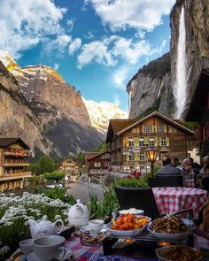 Dinner at a hotel in Lauterbrunnen Switzerland : travel Places Around The World, Oh The Places You'll Go, Places To Travel, Around The Worlds, Hotel In Den Bergen, Beautiful World, Beautiful Places, Wonderful Places, Amazing Places