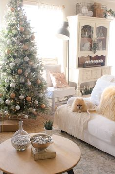 Frosty, Metallic Holiday Decor