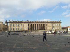 Plaza de Bolívaren Bogotá, capital de Colombia Plaza, Louvre, Country, Building, Travel, Colombia, Viajes, Rural Area, Buildings