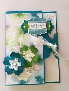 Scalloped tag card Petite Petals & Flower shop
