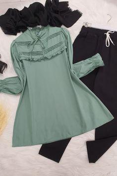 Stylish Dresses For Girls, Girls Dresses, Iranian Women Fashion, Womens Fashion, Bell Sleeves, Bell Sleeve Top, The Dress, Chiffon Tops, Dress