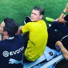 Soccer, Polish, Football, Guys, Sports, Borussia Dortmund, Hs Sports, Futbol, Vitreous Enamel