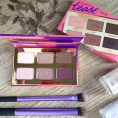 #Tarte #Tartelette #Tease eyeshadow palette. Review and swatches coming soon... ❤️ #bbloggers #beauty #makeup